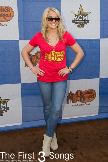 Jamie Lynn Spears attends the Cracker Barrel Old Country Store Country Checkers Challenge at Globe Life Park in Arlington on April 18, 2015 in Arlington, Texas