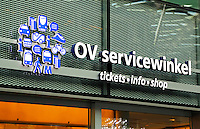 Nederland Den Haag  2016 02 13. OV Servicewinkel in de hal van het vernieuwde Centraal Station in Den Haag