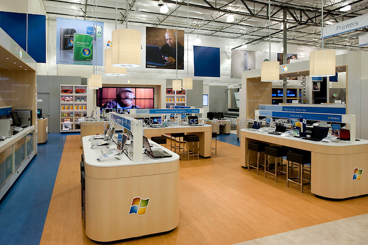Microsoft 39 s retail experience center seattle for Retail store layout software