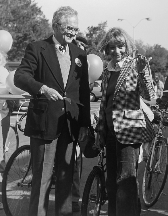 Rep. Joseph L. Fisher, D-VA., and Janet Steiger, William A. Steiger widow at cyclothon for juvenile diabetes foundation cutting the ribbon. 1976 (Photo by CQ Roll Call)
