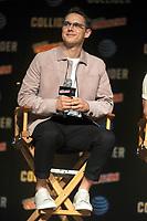 Samuel Barnett beim Panel zu 'Dirk Gently's Holistic Detective Agency / Dirk Gentlys holistische Detektei' auf der New York Comic Con 2017 im Javits Center. New York, 06.10.2017