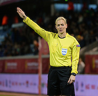 20161124 - LEUVEN ,  BELGIUM : Referee Bibiana Steinhaus  pictured during the female soccer game between the Belgian Red Flames and The Netherlands , a friendly game before the European Championship in The Netherlands 2017  , Thursday 24 th November 2016 at Stadion Den Dreef  in Leuven , Belgium. PHOTO SPORTPIX.BE | DIRK VUYLSTEKE