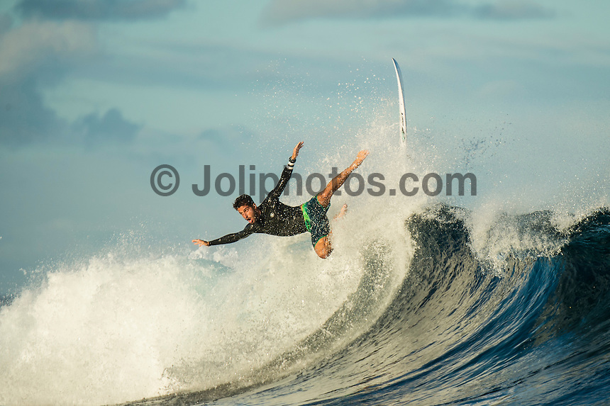 Namotu Island Resort, Nadi, Fiji (Sunday, June 12 2016): Filipe Toledo (BRA) -The Fiji Pro, stop No. 5 of 11 on the 2016 WSL Championship Tour, was called off again today due to the lack of contestable swell at Cloudbreak. The contest is still facing a number of lay days due to the small surf conditions.  There was a slight increase in the swell this morning and the winds had moved back to light Trades. Photo: joliphotos.com