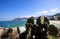 Rio de  janeiro,7 de agosto de 2012- Movimenta&ccedil;&atilde;o na praia do Arpoador, no in&iacute;cio da  tarde desta  ter&ccedil;a-feira(7) .<br /> Guto Maia/ Brazil Photo Press