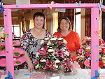 Roisín Holmes and Siobhan Burke of Órín Cupcakes & Flowers pictured at the 'Taste of Togher' festival at Linn Duchaill restaurant in the Glyde Inn Annagassan. Photo: Colin Bell/pressphotos.ie