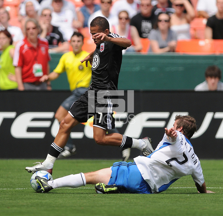 DC United midfielder Fred (7) tries to pass the ball while cover by San Jose Earthquakes Eric Denton (2) ,DC United defeated The San Jose Earthquakes 3-1, at RFK Stadium in Washington DC, Sunday June 22, 2008.