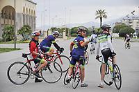 - Viareggio (Toscana), localit&agrave; balneare, ciclisti sulla passeggiata lungomare <br /> <br /> - Viareggio (Tuscany), seaside resort, cyclists on seafront promenade