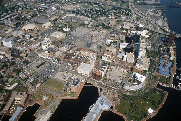 1996 May..Redevelopment..Macarthur Center.Downtown North (R-8)...CLOSEUP.LOOKING EAST...NEG#.NRHA#..