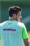 09.05.2018, Trainingsgelaende, Bremen, GER, 1.FBL, Training SV Werder Bremen<br /> <br /> im Bild<br /> Zlatko Junuzovic (Werder Bremen #16) mit Verband am Nacken, <br /> <br /> Foto &copy; nordphoto / Ewert