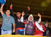 TUNJA - COLOMBIA, 28-09-2018: Los Hinchas de Deportivo Independiente Medellín, animan a su equipo durante partido entre Patriotas F. C. y Deportivo Independiente Medellín, de la fecha 12 por la Liga de Aguila II 2018  en el estadio La Independencia en la ciudad de Tunja. / The fans of Deportivo Independiente Medellin, cheer for their team during a match between Patriotas F. C. and Deportivo Independiente Medellin, of the 12th date for the Liga de Aguila II 2018 at La Independencia stadium in Tunja city. Photo: VizzorImage  /  José Miguel Palencia / Cont.
