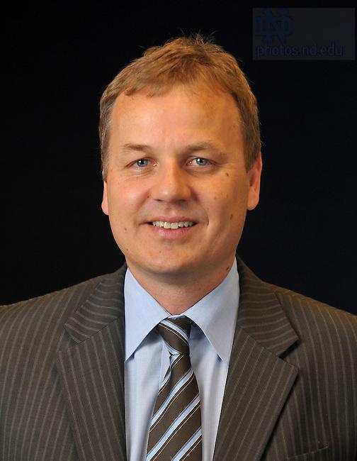 Jaroslaw (Jarek) Nabrzyski, director of the Center for Research Computing..Photo by Matt Cashore/University of Notre Dame