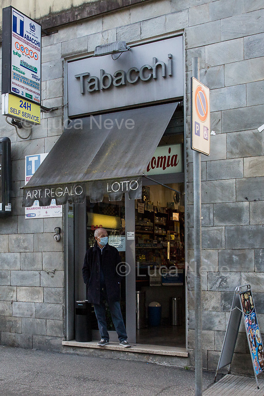 Tobacco shop: open.<br />