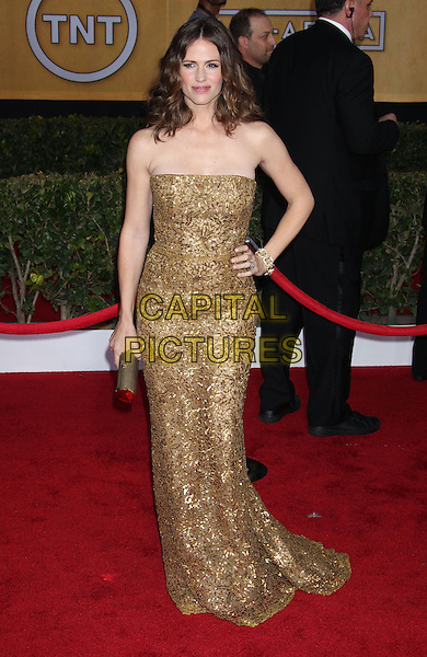 Jennifer Garner.Arrivals at the 19th Annual Screen Actors Guild Awards at the Shrine Auditorium in Los Angeles, California, USA..27th January 2013.SAG SAGs full length dress gold beads beaded sequins sequined clutch bag hand on hip.CAP/ADM/RE.©Russ Elliot/AdMedia/Capital Pictures.