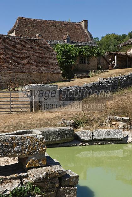 Europe/France/Midi-Pyrénées/46/Lot/Env de Sauliac-sur-Célé/Cuzals: Musée de plein air du Quercy,  la ferme  du 19 éme et sa mare