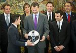 2014/11/20_Audiencia del rey con los campeones del mundo de Motociclismo