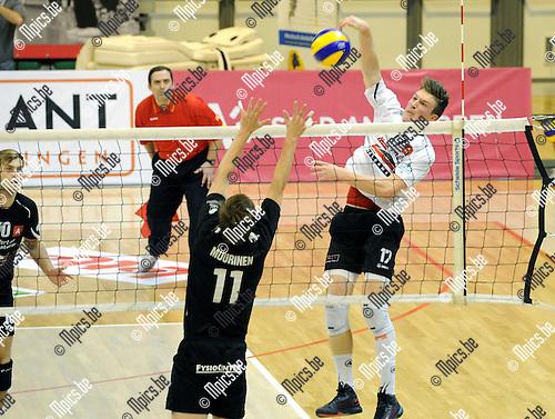 2012-11-20 / Volleybal / seizoen 2012-2013 /Antwerpen - Isku Tampere / Seppe Baetens scoort een punt voor Antwerpen..Foto: Mpics.be