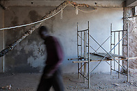 Construction worker leaving at the end of a day's work in Nairobi, Kenya.