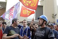 Roma, 16 Ottobre 2012.Ministero dello Sviluppo economico.Manifestazione degli operai della TK AST di Terni contro il piano di cessione del sito