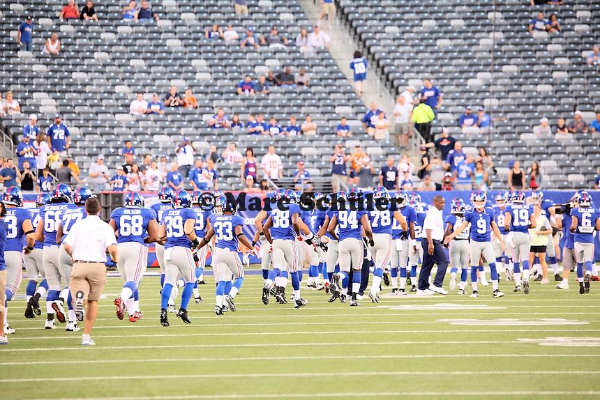 Giants laufen ein zum Warm-up