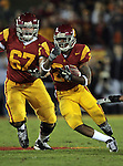 Los Angeles, CA 11/25/06 - C.J. Gable runs for some of his 115 yards in 20 carries durng the USC 44-24 victory over Notre Dame at the Los Angeles Colisseum<br />
