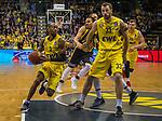 "16.03.2019, EWE Arena, Oldenburg, GER, easy Credit-BBL, EWE Baskets Oldenburg vs MHP Riesen Ludwigsburg, im Bild<br /> David McCRAY (MHP Riesen Ludwigsburg #4 ) William""Will"" CUMMINGS (EWE Baskets Oldenburg #3 ) Philipp SCHWETHELM (EWE Baskets Olldenburg #33 )<br /> Foto © nordphoto / Rojahn"