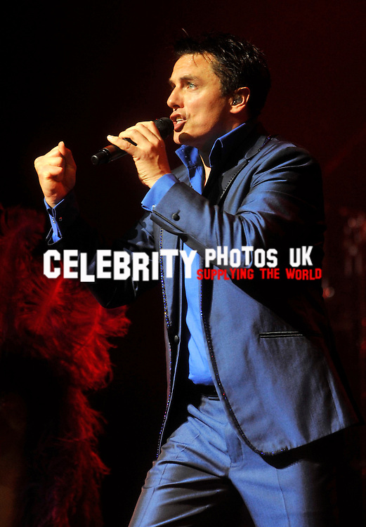 John Barrowman live on stage at the new theatre oxford on the first day of his uk tour Picture By: Brian Jordan / Retna Pictures..Job:..Ref: BJN  ..-..*World Rights*..