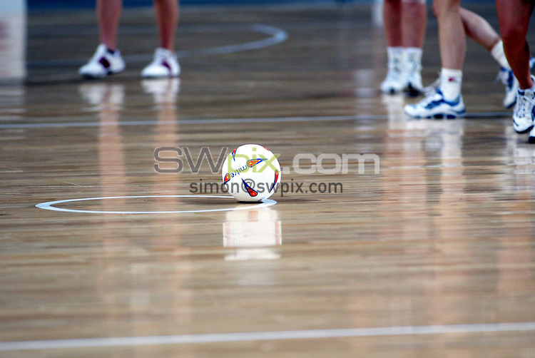 Pix: Simon Wilkinson/SWpix.com. International Netball. England v New Zealand. Test Series 2003. MEN Arena. Manchester. 24/02/03..COPYRIGHT PICTURE>>SIMON WILKINSON>>01943 436649>>..generic netball