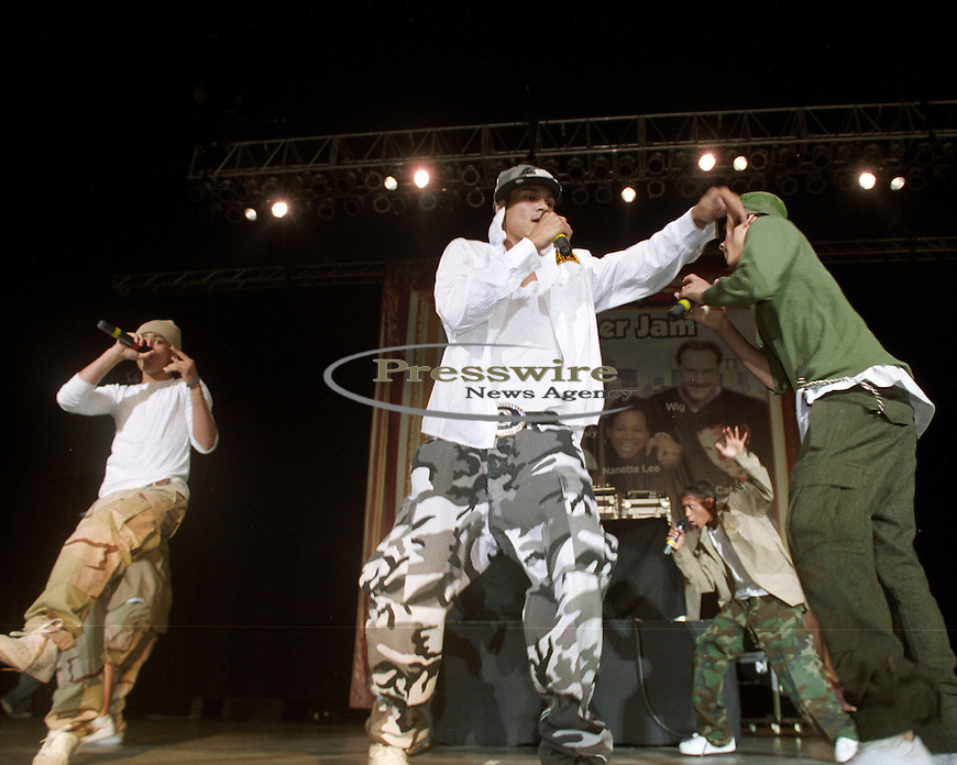 Bad Boy Records artist B5 performing at the K104 FM Summer Jam.  July 2005 in Dallas, Texas.  Photo credit: Presswire News/Elgin Edmonds