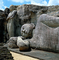 Sri Lanka, Polonnaruwa: Buddha Statues at Gal Vih?ra - UNESCO World Heritage Site | Sri Lanka, Polonnaruwa: Buddha Statuen im Gal Vih?ra - UNESCO Weltkulturerbe
