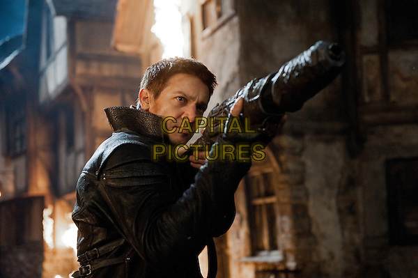Jeremy Renner .in Hansel & Gretel: Witch Hunters (2013) .*Filmstill - Editorial Use Only*.CAP/FB.Supplied by Capital Pictures.