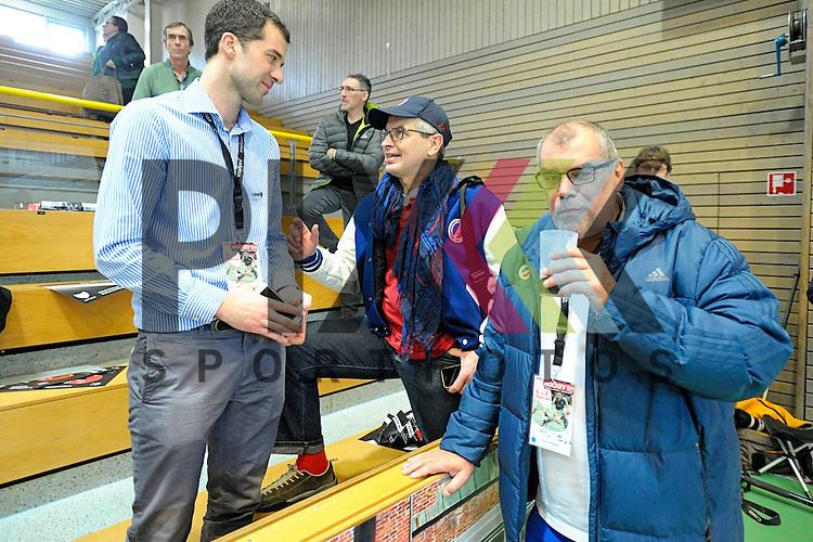 GER - Luebeck, Germany, February 06: After the 1. Bundesliga Damen indoor hockey semi final match at the Final 4 between Rot-Weiss Koeln (white) and Mannheimer HC (blue) on February 6, 2016 at Hansehalle Luebeck in Luebeck, Germany. Final score 1-2 (HT 0-2).   (L-R) Jan Fischer (DHB), Joachim Kille, Wolfgang Sauer<br /> <br /> Foto &copy; PIX-Sportfotos *** Foto ist honorarpflichtig! *** Auf Anfrage in hoeherer Qualitaet/Aufloesung. Belegexemplar erbeten. Veroeffentlichung ausschliesslich fuer journalistisch-publizistische Zwecke. For editorial use only.