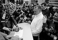 Fleche Wallonne 2012..Philippe Gilbert signing in under a lot of media-attention