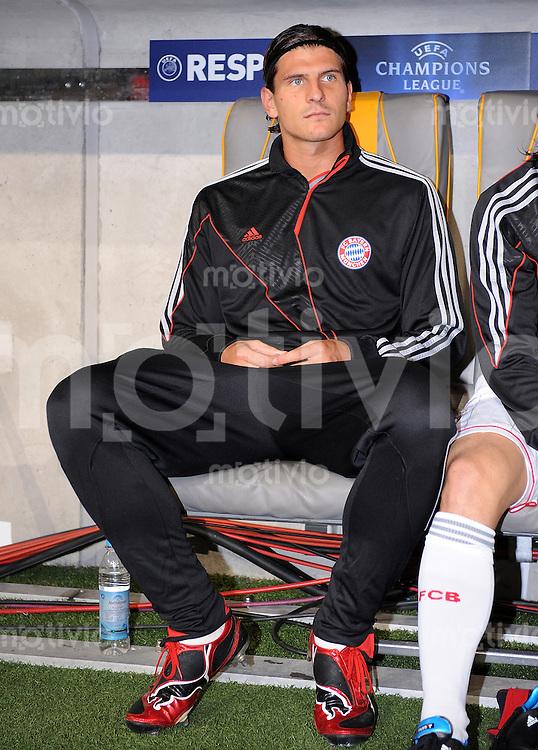 FUSSBALL  International  Champions League  SAISON 2009/2010   30.09.2009 FC Bayern  Muenchen - Juventus Turin ENTTAEUSCHUNG auf der Bank Mario Gomez (FCB)