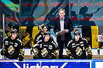 Stockholm 2014-10-02 Ishockey Hockeyallsvenskan AIK - BIK Karlskoga :  <br /> AIK:s tr&auml;nare Peter Gradin i aktion i b&aring;set under matchen<br /> (Foto: Kenta J&ouml;nsson) Nyckelord:  AIK Gnaget Hockeyallsvenskan Allsvenskan Hovet Johanneshovs Isstadion Bofors BIK Karlskoga portr&auml;tt portrait tr&auml;nare manager coach