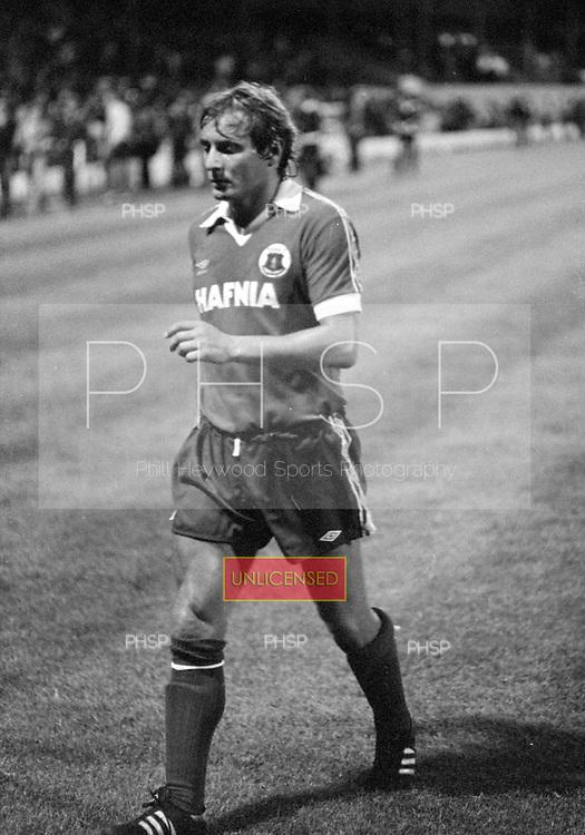 03/09/1980 Blackpool v Everton  League Cup 2nd Round 2nd Leg .Asa Hartford...© Phill Heywood.