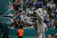 MIAMI, FL, 21.10.2018 – DOLPHINS-LIONS – Mascote do Miami Dolphins, durante partida válida pela sétima semana da temporada regular da NFL, no Hard Rock Stadium, na tarde deste domingo (21). (Foto: Jayson Braga / Brazil Photo Press)