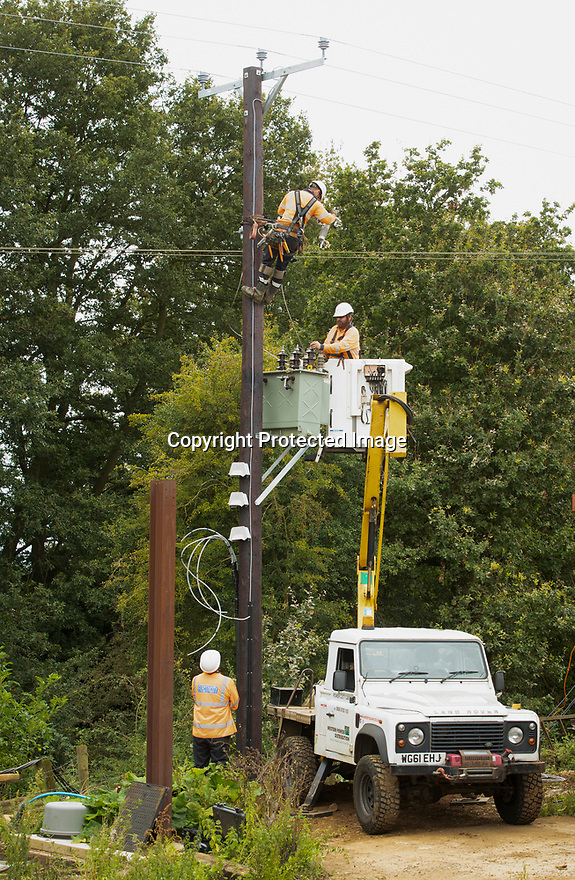 06/09/19<br /> <br /> WPD works near Brackley, Northants.<br /> <br /> All Rights Reserved, F Stop Press Ltd +44 (0)7765 242650 www.fstoppress.com rod@fstoppress.com
