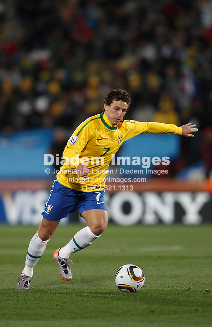 JOHANNESBURG - JUNE 15:  Elano of Brazil in action during a 2010 FIFA World Cup soccer match against North Korea June 15, 2010 in Johannesburg, South Africa.  NO mobile use.  Editorial ONLY.  (Photograph by Jonathan P. Larsen)