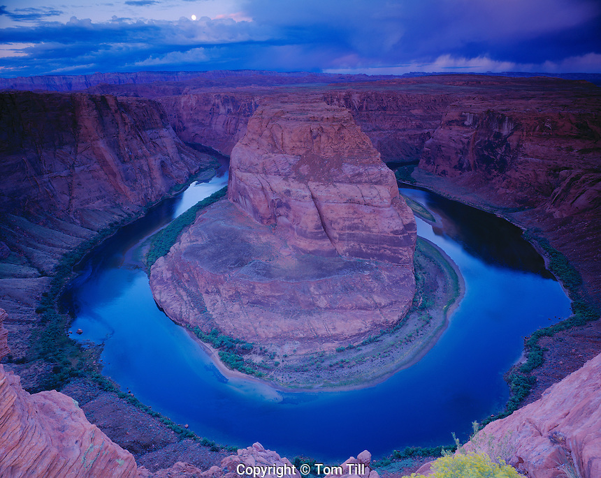 Moonset at Horseshoe Bend, Glen Canyon National Recreation Area, Arizona   Colorado River