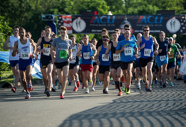 UNITED STATES - MAY 20: Runners begin the 3-mile ACLI Capital Challenge race at Anacostia Park in Washington on Wednesday, May 20, 2015. (Photo By Bill Clark/CQ Roll Call)