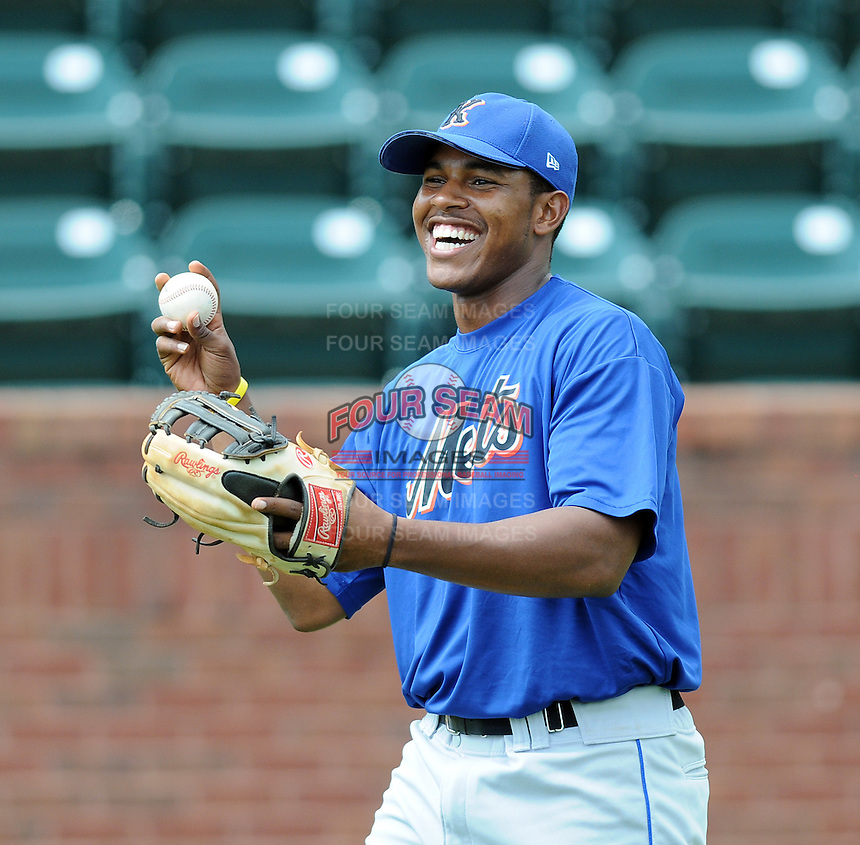 August 2, 2009: Infielder Richard Lucas (22) of the Kingsport Mets, rookie Appalachian League affiliate of the New York Mets, before a game at Pioneer Park in Greeneville, Tenn. Photo by:  Tom Priddy/Four Seam Images