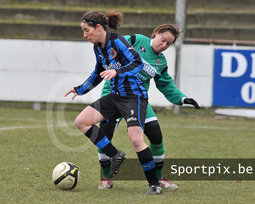 Club Brugge Dames - OHL Oud Heverlee Leuven : Lore Dezeure voor Charlotte Taelemans.foto DAVID CATRY / Vrouwenteam.be