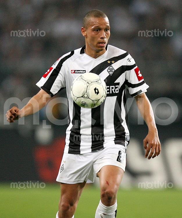 Fussball   1. Bundesliga   Saison 2006/2007 Sebastian SVAERD (Borussia Moenchengladbach), Einzelaktion am Ball