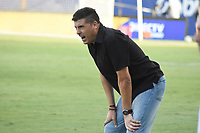 MONTERIA - COLOMBIA, 09-02-2020: Juan Cruz Real técnico de Jaguares gesticula durante el partido por la fecha 4 Liga BetPlay DIMAYOR I 2020 entre Jaguares de Córdoba F.C. y Millonarios jugado en el estadio Jaraguay de la ciudad de Montería. / Juan Cruz Real coach of Jaguares gestures during match for the date 4 BetPlay DIMAYOR League I 2020 between Jaguares de Cordoba F.C. and Millonarios played at Jaraguay stadium in Monteria city. Photo: VizzorImage / Andres Felipe Lopez / Cont