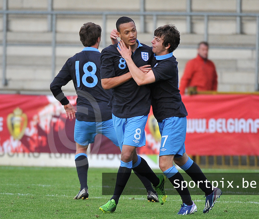 Belgium U19 - England U19 : Lewis Baker (8) celebrating his late equalizer for England 1-1 with Benjamin Pearson (right).foto DAVID CATRY / Nikonpro.be