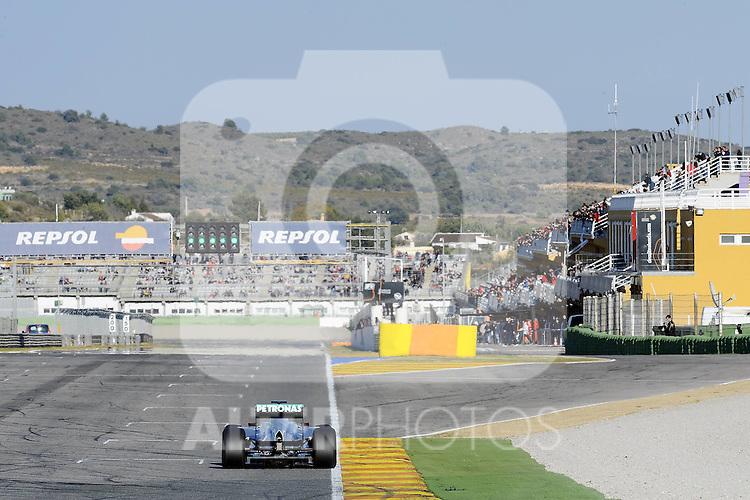 01.02.2011, Street Circuit. Jerez, ESP, Formel 1 Test 1 Valencia 2011,  im Bild Michael Schumacher (GER), Mercedes GP Foto © nph / Dieter Mathis