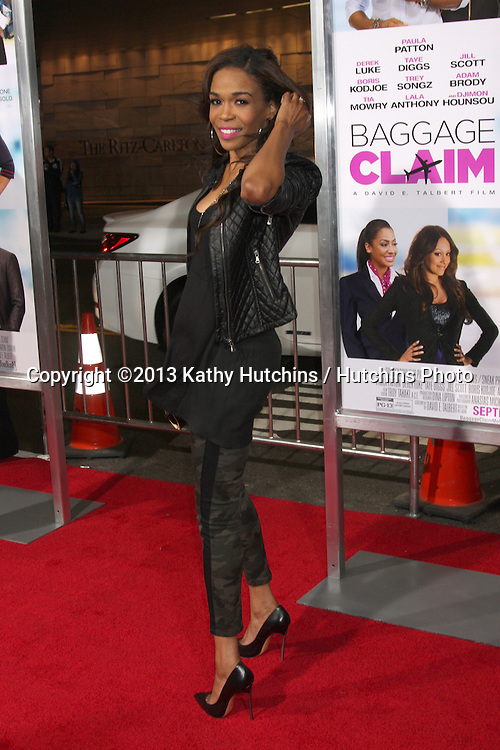 """LOS ANGELES - SEP 25:  Michelle Williams at the """"Baggage Clain"""" Premiere at Regal 14 Theaters on September 25, 2013 in Los Angeles, CA"""