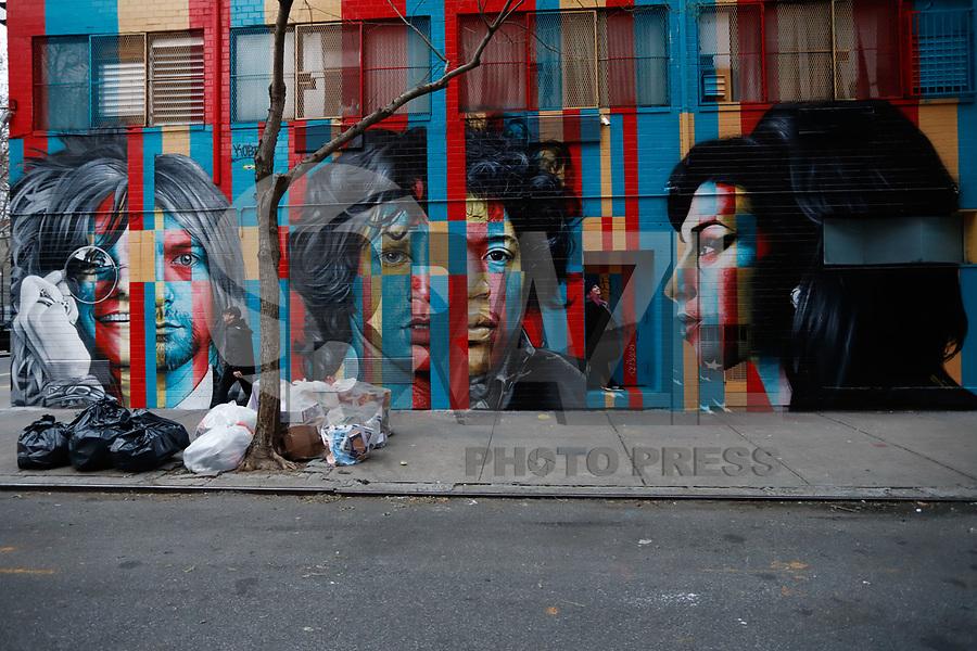 NOVA YORK, EUA - 30.11.2018 - ARTE-NOVA YORK - Mural Club 27 Mural Janis Joplin, Kurt Cobain, Jim Morrison, Jimi Hendrix and Amy Winehouse  do artista brasileiro Eduardo Kobra é visto na Ilha de Manhattan em Nova York (Foto Vanessa Carvalho / Brazil Photo Press)