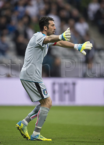 29.03.2016. Munich, Germany. International soccer match between Germany and Italy, at the Allianz Arena in Munich.  Keeper Gianluigi BUFFON (ITA)  screams at his defense to move up