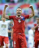 FUSSBALL  EUROPAMEISTERSCHAFT 2012   VORRUNDE Griechenland - Tschechien         12.06.2012 Tomas Sivok (Tschechische Republik) jubelt nach dem Abpfiff